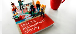 Buch-Cover: Studying Management Critically